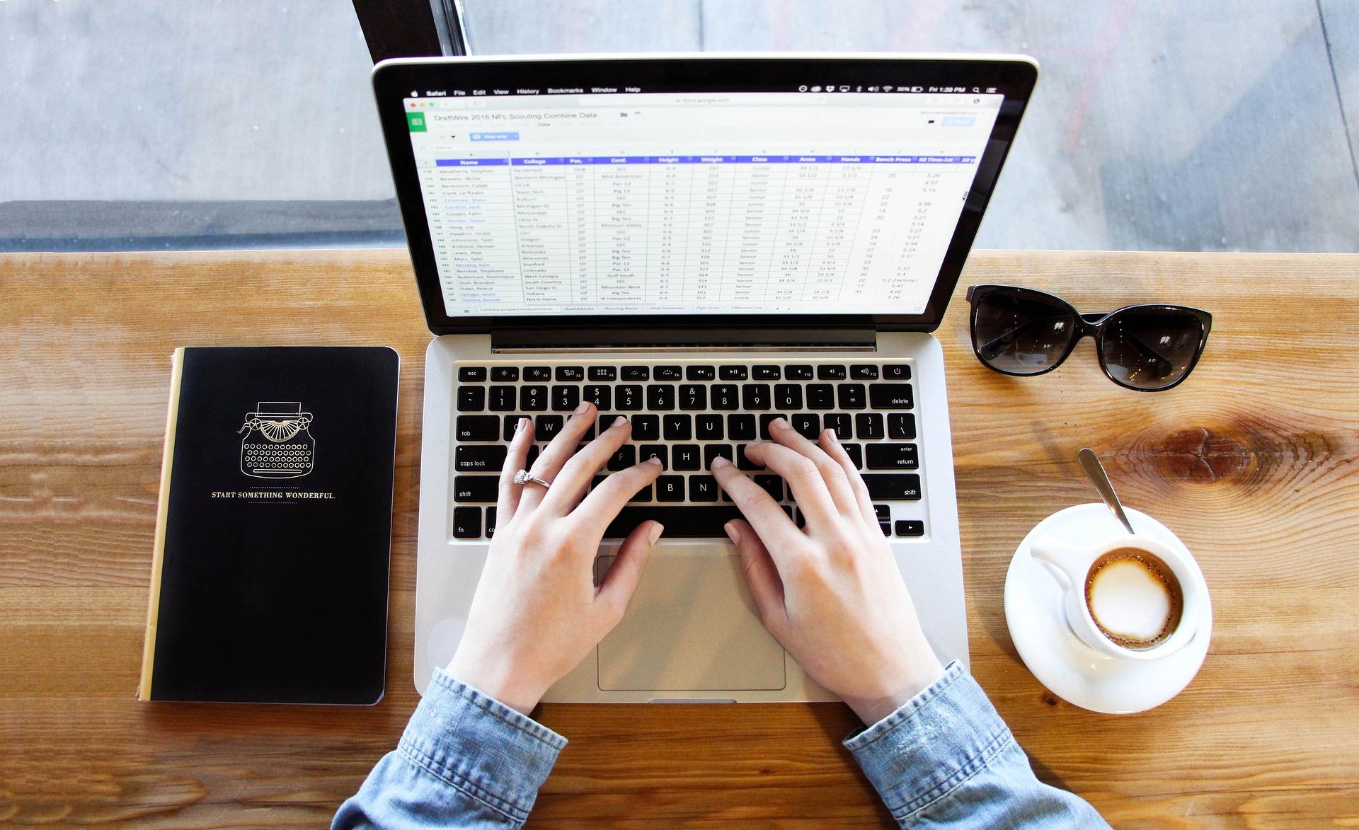 routines, habitudes, contrôle, cheffe d'entreprise, entrepreneuse, entrepreneure, organisation, planification, suivi, gestion, CRM, Excel, Bullet Journal,équilibre vie personnelle vie professionnelle,s'organiser, Maman, Entrepreneure, Entrepreneuse, mamentrepreneure, mompreneur, mampreneure, stratégie, gérer, structurer, piloter, pilotage, équilibre de vie, processus, procédure, budget, planning, todo, chiffre d'affaire, ventes, bilan, visibilité, dépenses, recettes, clients, prospects, suivi, suivre, slow, idéal de vie