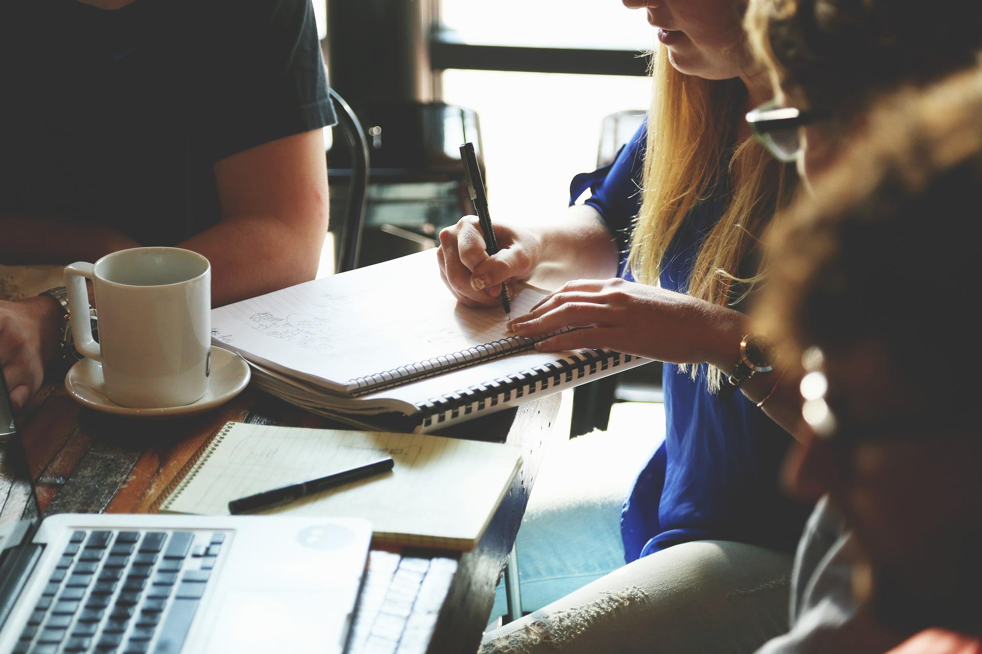 atelier coup de pouce conférence webinaire femme entrepreneure leader manager gestion organisation planification